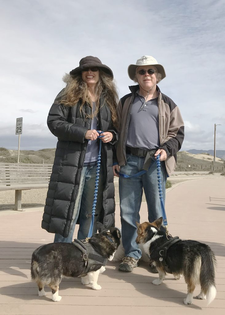 Karen and Rickey are long-time supporters of the Mutts for the Bay program. Our Communications and Outreach Coordinator, Rachel, had the pleasure of meeting them and their adorable dogs along the Harbor Walk recently. Thank you, Karen and Rickey, for your generous support!